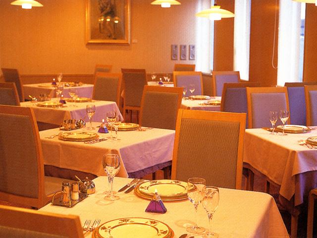レストラン「ラ・ルミエール」